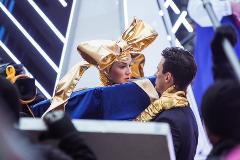 Kiedy Wanda (Aleksandra Adamska) i Zbyszek (Mateusz Damięcki) przypadkiem na siebie wpadają, nic nie zapowiada wielkiej miłości. Ich relacje początkowo są dość... skomplikowane