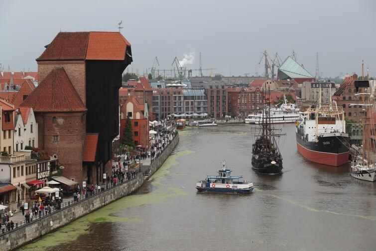 Jakiemu przybyszowi z zagranicy nie spodoba się taki Gdańsk? A pływający po Motławie 'statek piratów' jest dodatkową atrakcją