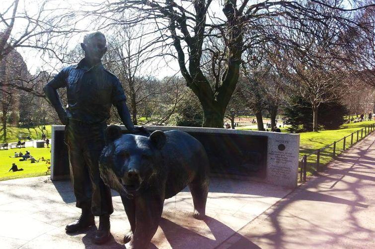 Pomnik Niedźwiedzia Wojtka - polskiego żołnierza