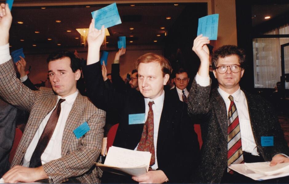 Zjazd założycielski Partii Konserwatywnej; w środku A. Hall, po prawej Arkadiusz Rybicki, po lewej Paweł Zalewski