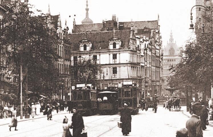 Linie numer 1 i 2 rozpoczynały swój bieg na Długim Targu; około 1915