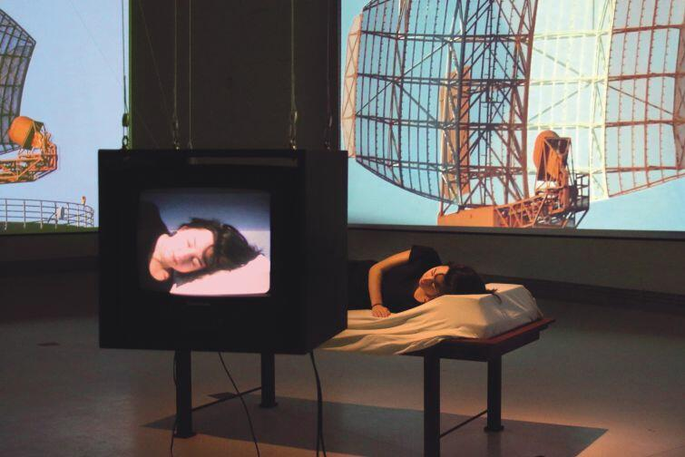 Projekt/instalacja 'Dear' Elmara Hessa w Centrum Sztuki Współczesnej Łaźnia 2