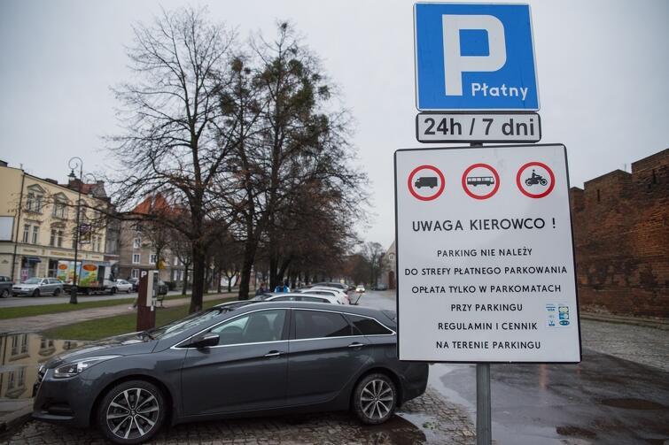 Od lutego 2018 r. parking prowadzić będzie Fundacja Gdańska, a pracować będą tu osoby zagrożone wykluczeniem społecznym