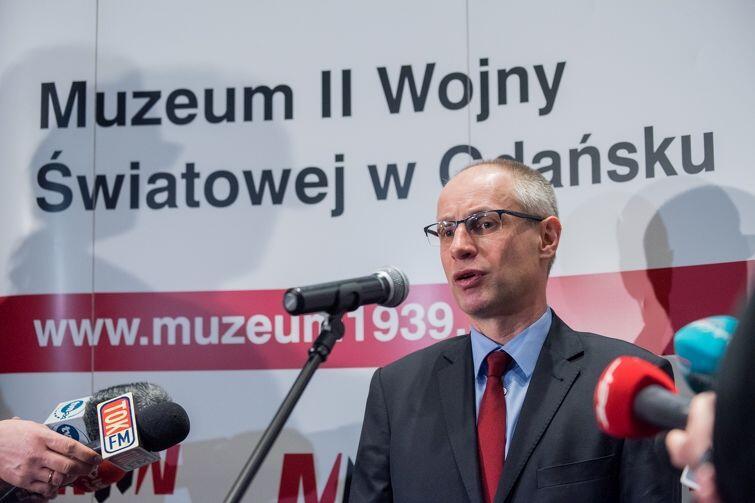 Prof. Paweł Machcewicz jeszcze jako dyrektor MIIWŚ