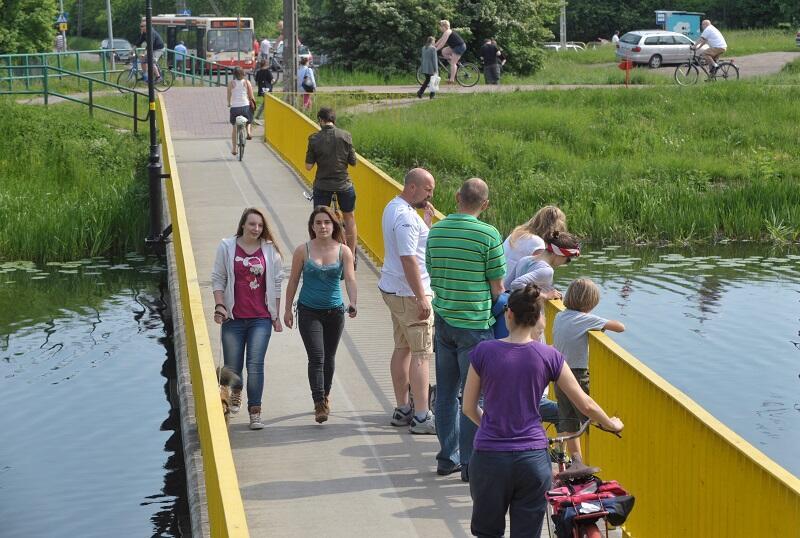 Kładka dla pieszych i rowerzystów na Opływie Motławy` Streetwaves 2013, jeszcze w tym roku jadąc tędy w kierunku W-y Sobieszewskiej trafimy na nowy fragment trasy