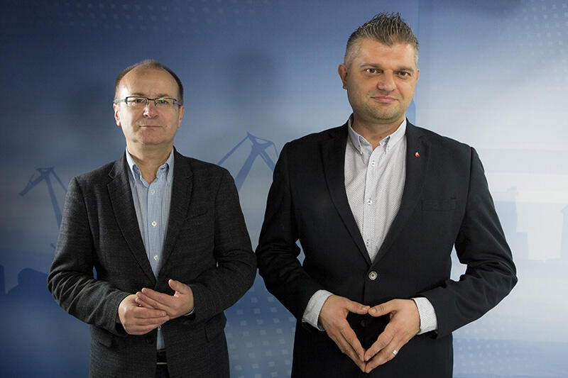 Od lewej: Maciej Lisicki - prezes miejskiej spółki Gdańskie Autobusy i Tramwaje i Sebastian Zomkowski - zastępca dyrektora ZTM ds. przewozów