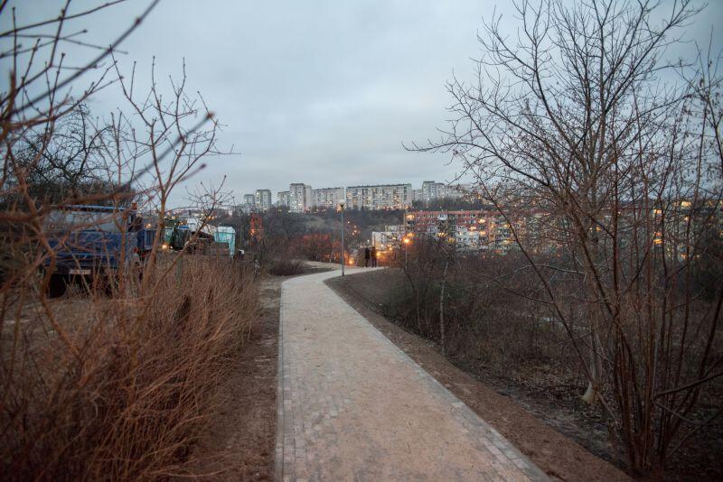 Park Na Zboczu, leżący na granicy Siedlec i Wzgórza Mickiewicza, powinien być gotowy pod koniec marca br.