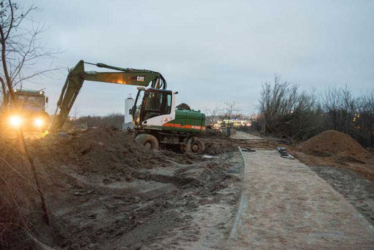 Intensywne prace prowadzone są zarówno od strony ul. Łostowickiej, jak i od ul. Maryli
