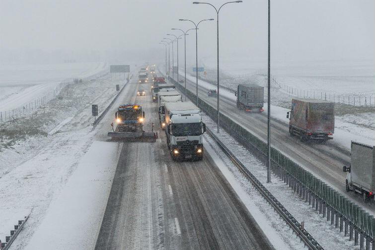 Wtorek, 16 stycznia 2018 roku. Trudne warunki drogowe na autostradzie A1