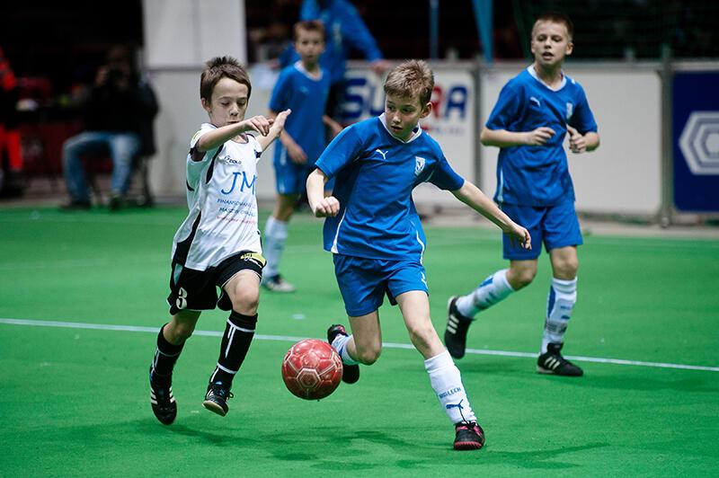 Na dworzu plucha? Nie szkodzi, można pograć na hali. Nz. Ergo Arena. Baltic Football Cup 2012