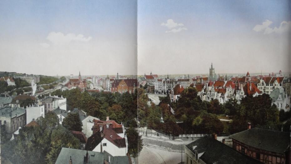 Połowa panoramy od Szkoły Wojennej przy Promenadzie do zabudowy Kleiner Irrgarten