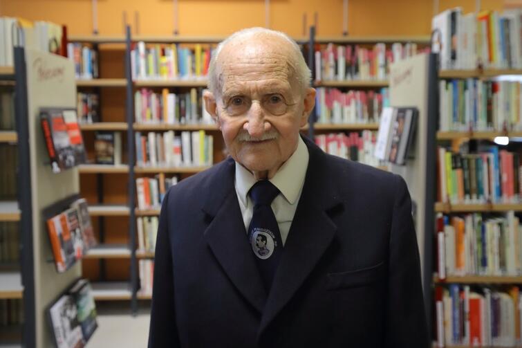 Czytelnik, pan Zdzisław Nałęcz-Sobieszczański należy do Biblioteki Oliwskiej od wielu lat