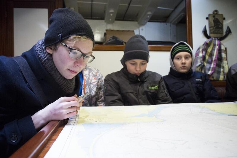 Matematyka dopadła ich także w ferie - praktyczna, bo młodzi ludzie uczą się tradycyjnych metod nawigacji
