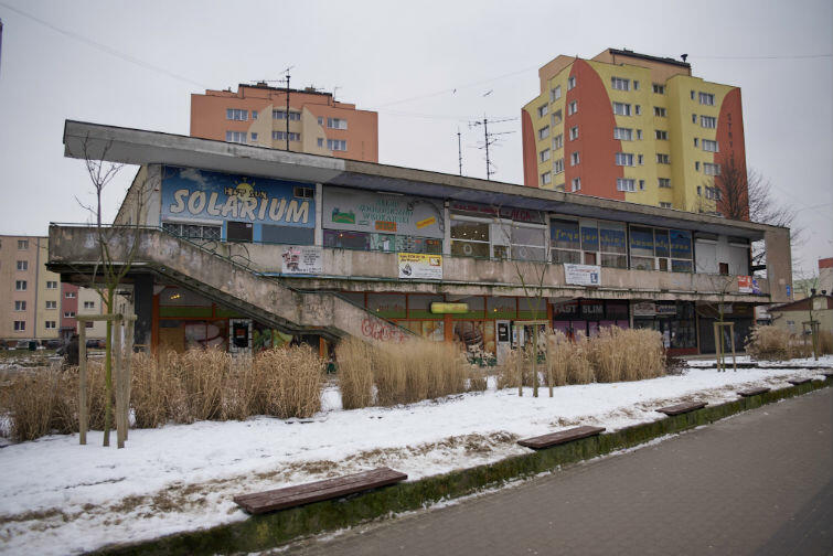 Pawilon handlowy przy ul. Stryjewskiego 23 powstał w 1967 roku