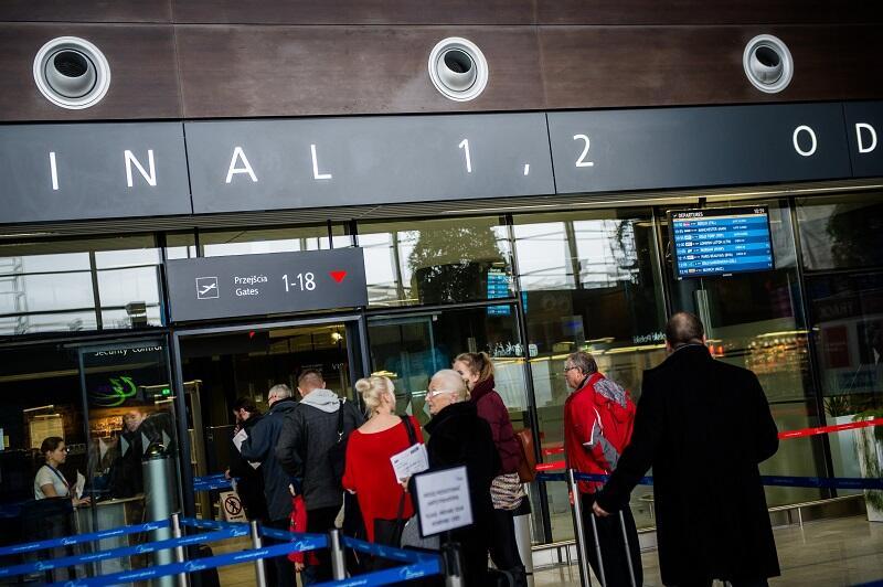 Odprawa pasażerów w Terminalu T2 Portu Lotniczego Gdańsk im. L. Wałęsy, listopad 2014 r. - wtedy liczba obsłużonych pasażerów sięgnęła 3 mln; rok 2017 lotnisko zakończyło z liczbą 4,6 mln obsłużonych podróżnych