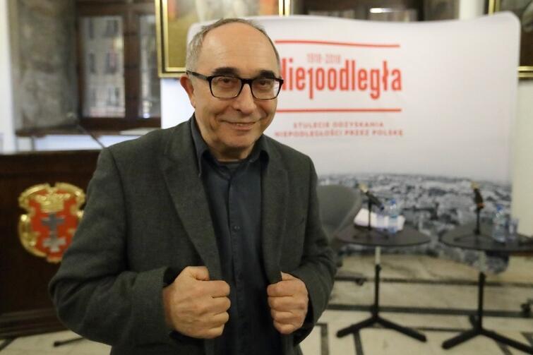 Prof. Aleksander Smolar w Wielkiej Sali Wety Ratusza Głównomiejskiego
