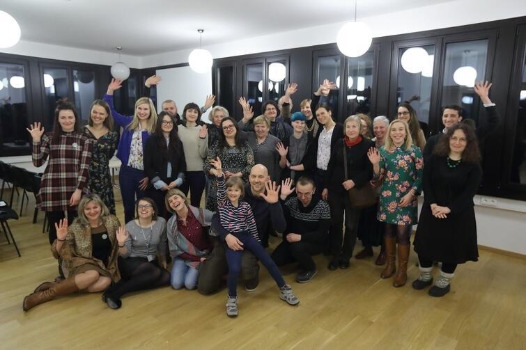 Koordynatorzy 10. zwycięskich projektów, które wyłoniono w konkursie 'Sieć Kultury 2017' o swoich inspiracjach i efektach zrealizowanych inicjatyw opowiedzieli podczas spotkania w Gdańskim Teatrze Szekspirowskim