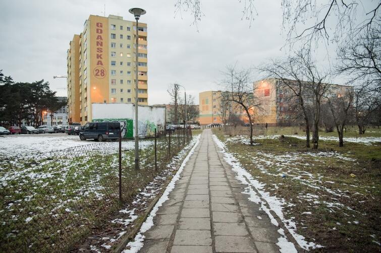 Chodnik przy ul. Gdańskiej nie zostanie wyremontowany w ramach Budżetu Obywatelskiego, za to zrobią to pracownicy... Gdańskiego Zarządu Nieruchomości Komunalnych