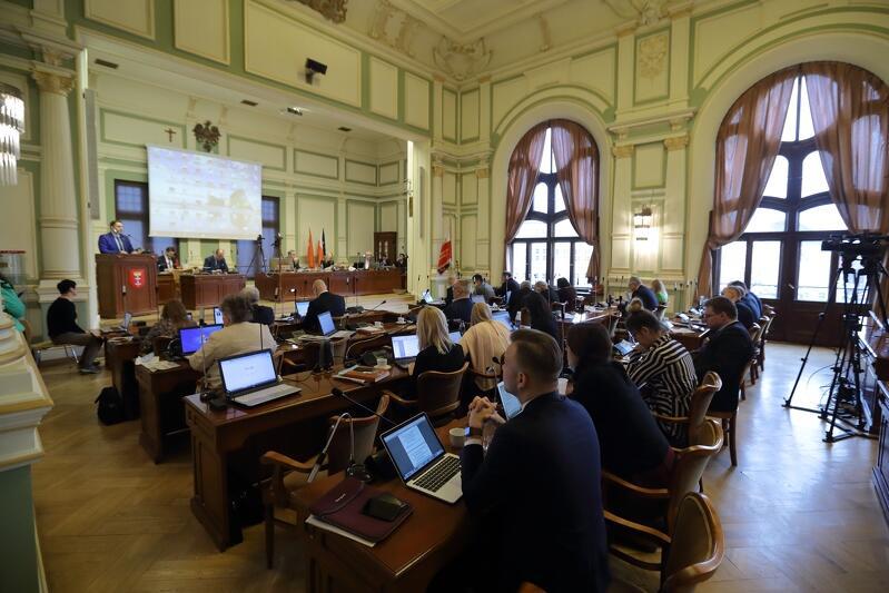 Czwartkowa sesja radnych zapowiada się bardzo interesująco. Zachęcamy do jej śledzenia na www.gdansk.pl