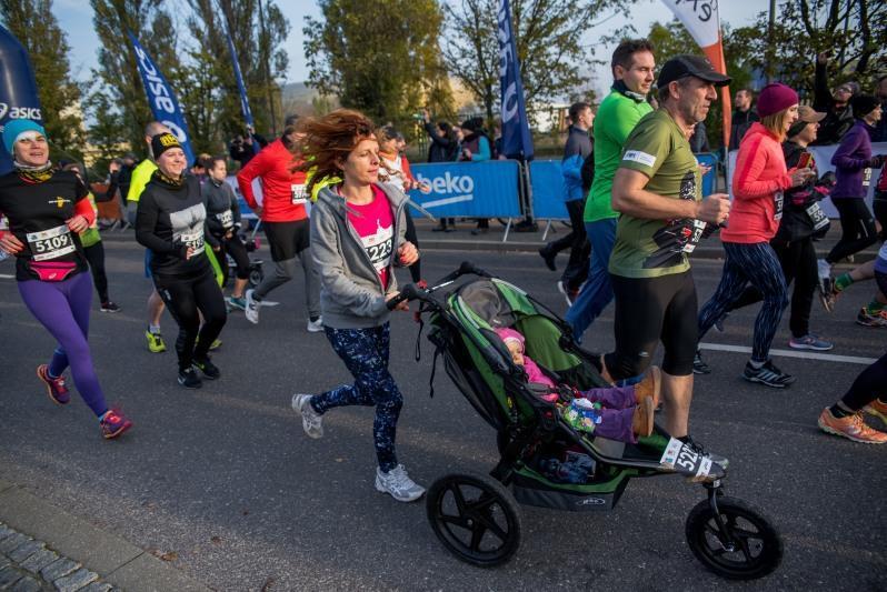AmberExpo Półmaraton to także dorośli i dzieci w wózkach