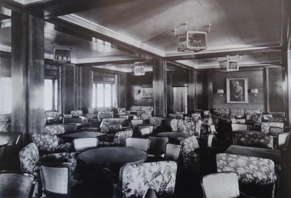 'Gustloff' był statkiem pasażerskim wysokiej klasy; gdy wyruszał w ostatni rejs, jego wnętrze z pewnością wyglądało inaczej