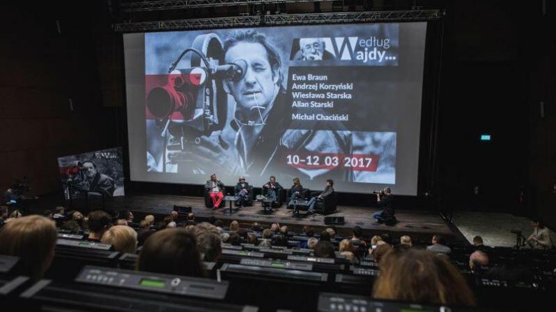 Przed rokiem podczas przeglądu Według Wajdy obecni byli m.in. Agnieszka Holland, Robert Więckiewicz oraz zdobywcy Oscarów - Allan Starski i Ewa Braun