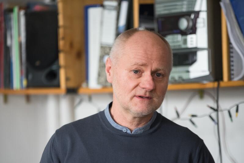 Jarosław Paczos, wiceprezes FRAG podkreślił, że sieć powstająca w ramach projektu nie ma konkurować z istniejącą siecią pomiaru jakości powietrza ARMAAG lecz ją uzupełniać