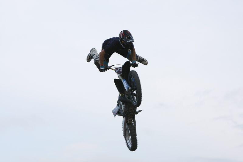 Początki festiwalu w 2008 roku. Konkurencja FMX - Freestyle Motocross na Gdańskim Festiwalu Sportów Ekstremalnych