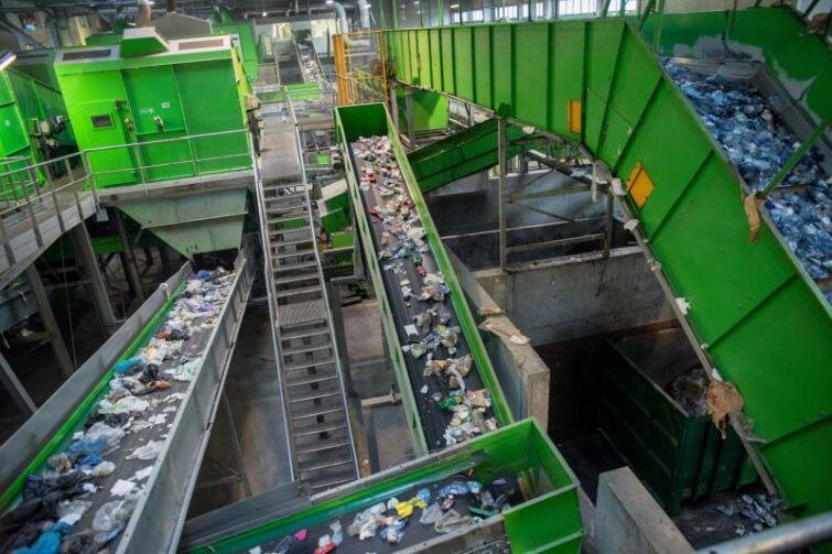 Sortownia odpadów komunalnych w Zakłdzie Utylizacyjnym w Gdańsku