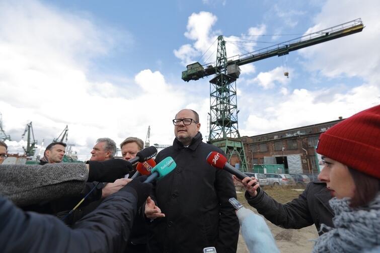 Konkurs na iluminację stoczniowego dźwigu ogłoszono podczas piątkowej konferencji prasowej