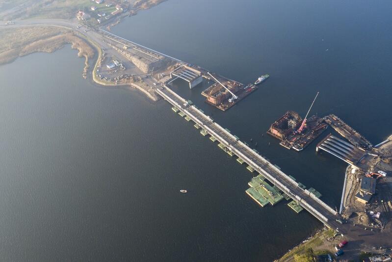 Budowa mostu na Wyspę Sobieszewską widziana z lotu ptaka
