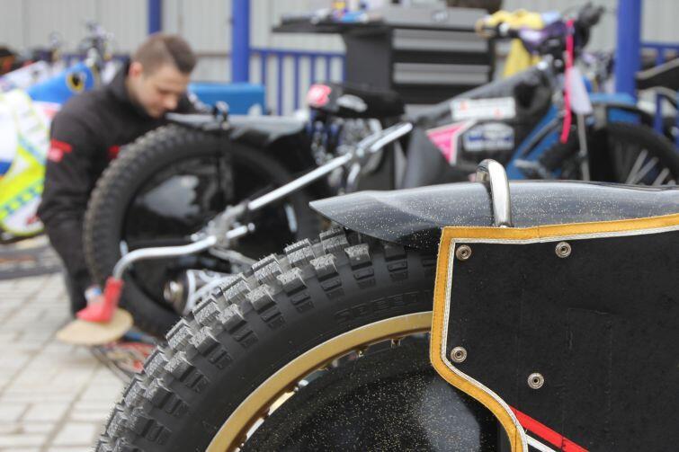 Przygotowanie motocykli przed turniejem
