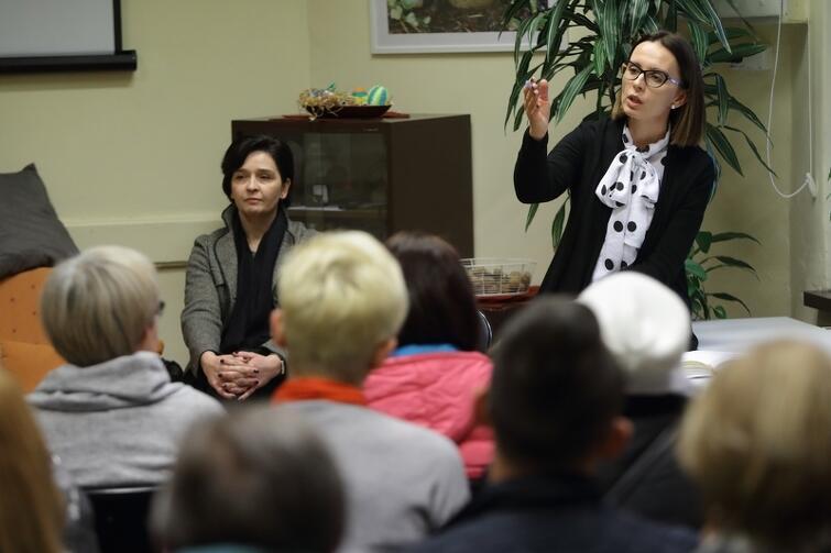 Na pytania mieszkańców odpowiadały m.in. Barbara Tchórzewska z GZDiZ (po lewej) oraz Magdalena Skorupka-Kaczmarek, rzeczniczka Prezydenta Gdańska