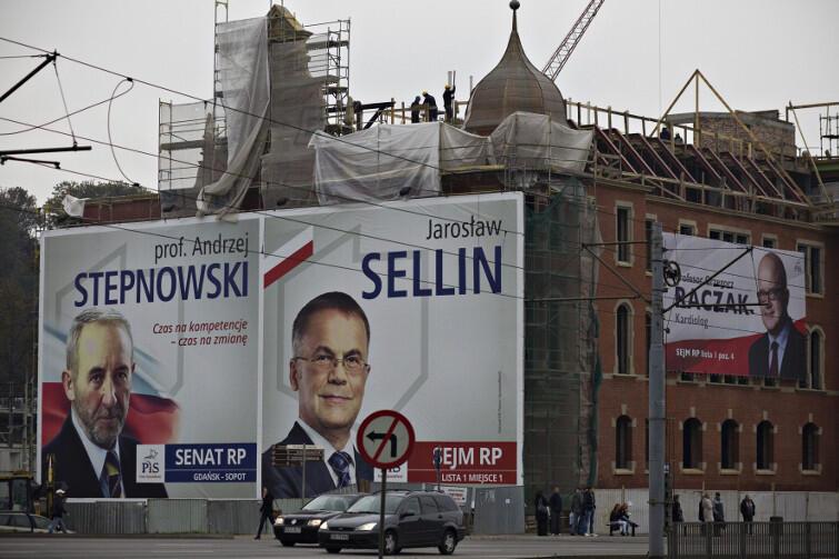 Maciej Gdula wyjaśni, skąd sukces wyborczy PiS w Polsce w 2015 roku. Na zdjęciu: banery wyborcze kandydatów PiS w Gdańsku