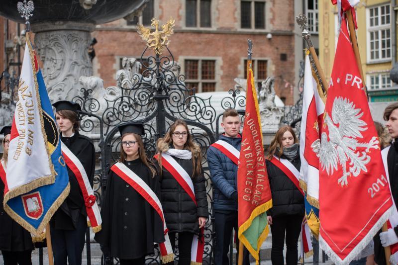 Gdańska młodzież pod Dworem Artusa, 27 marca 2018 r.