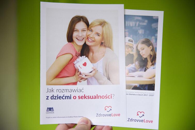 Program wsparcia prokreacji to część medyczna (in vitro), edukacyjna (broszury) oraz psychologiczna