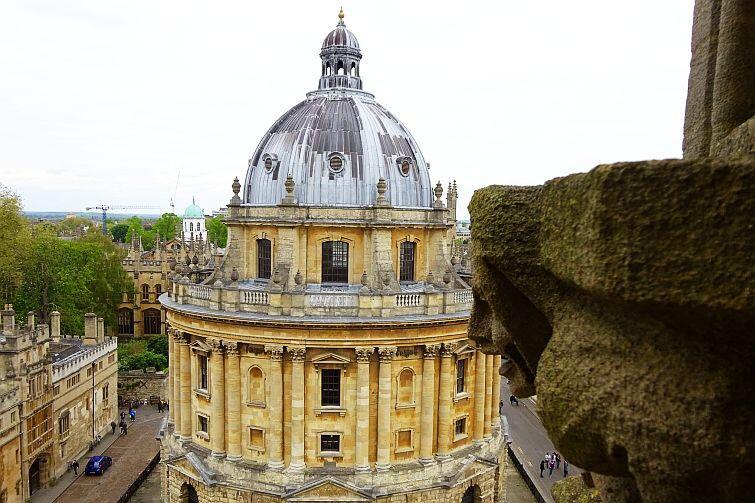 Najbardziej znany budynek biblioteki Bodlejańskiej – Radcliffe Camera