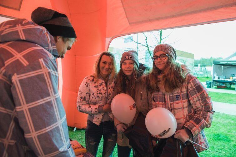 W specjalnych namiotach pracownicy Zakładu Utylizacyjnego udzielają porad związanych m.in z prawidłowym sortowaniem