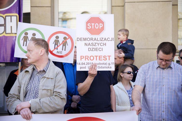 W manifestacji wzięło udział ponad 100 osób