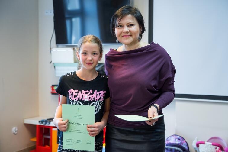 Matylda Kaczmarek wraz z radną Aleksandrą Kulmą