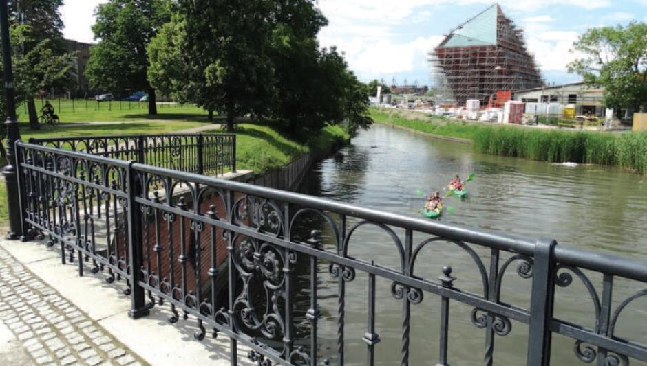 Nad kanałami na Starym Mieście