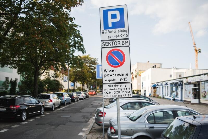 Strefa Płatnego Parkowania. Nowe miejsca w kilku dzielnicach. LISTA ULIC