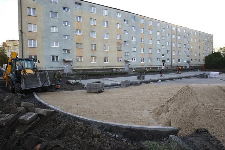 Mocno zaawansowane prace można zaobserwować przy ul. Skiby