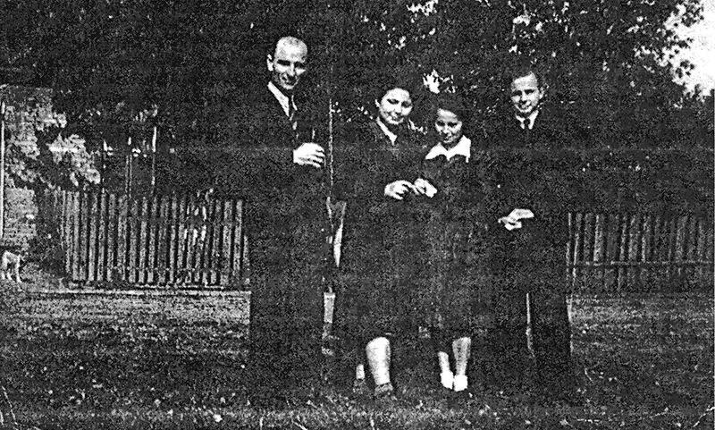 Grono pedagogiczne szkoły - 1950 r.