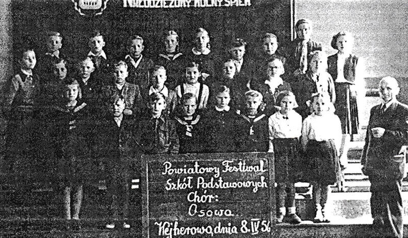 Chór Szkoły Podstawowej w Osowej - 8 kwietnia 1956 r.