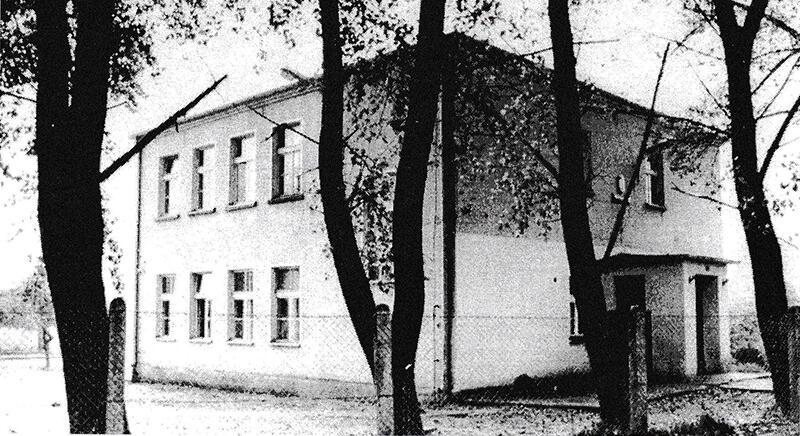 Budynek szkoły w latach 1964-1986