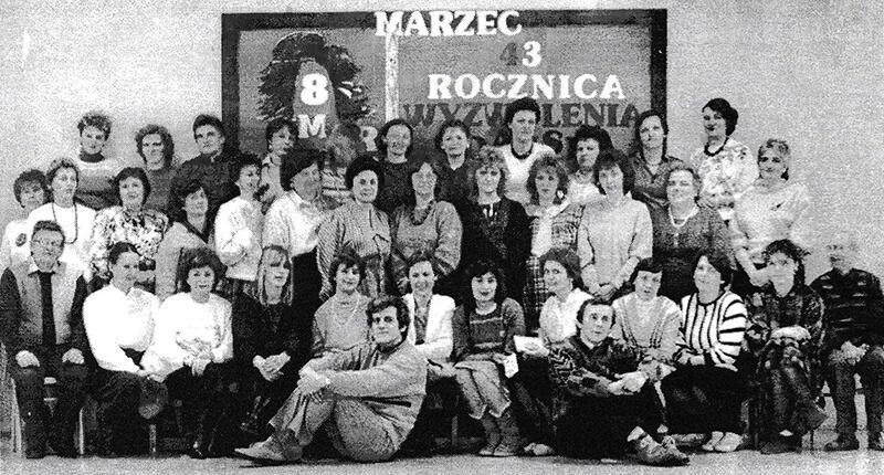 Pracownicy szkoły w 1988 r.