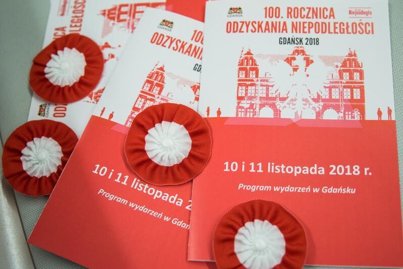 Ulotki i broszury związane z uroczystościami 100-lecia niepodległości w Gdańsku