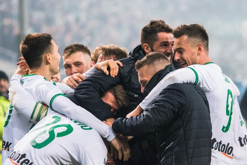Czy piłkarze Lechii w Poznaniu będą mieli powody do radości, tak jak mieli w Gdańsku w meczu derbowym z Arką Gdynia?
