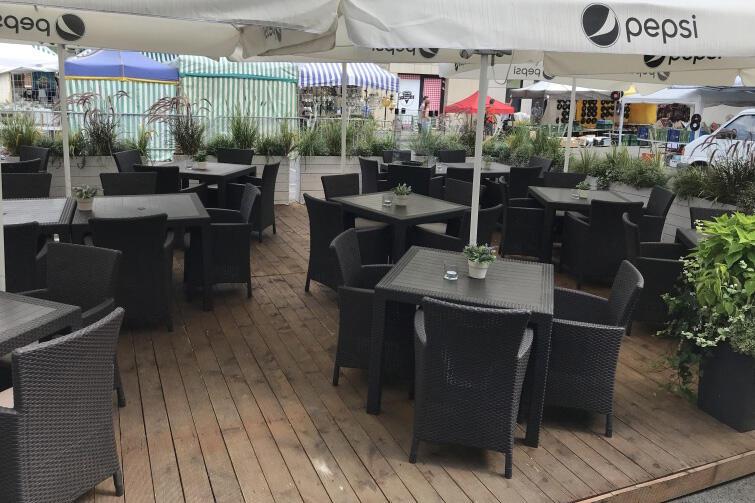 Restauracja Fishmarkt funkcjonuje przy targu Rybnym